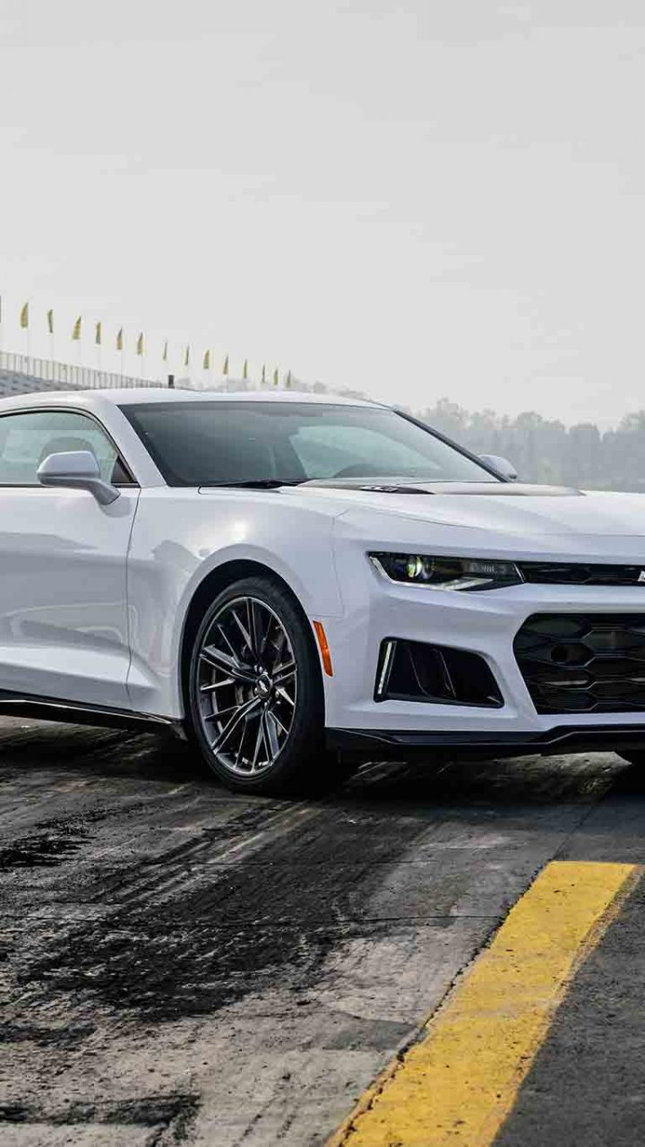 2017 Chevrolet Camaro Zl1 White Wallpaper Hd Wallpaper Background