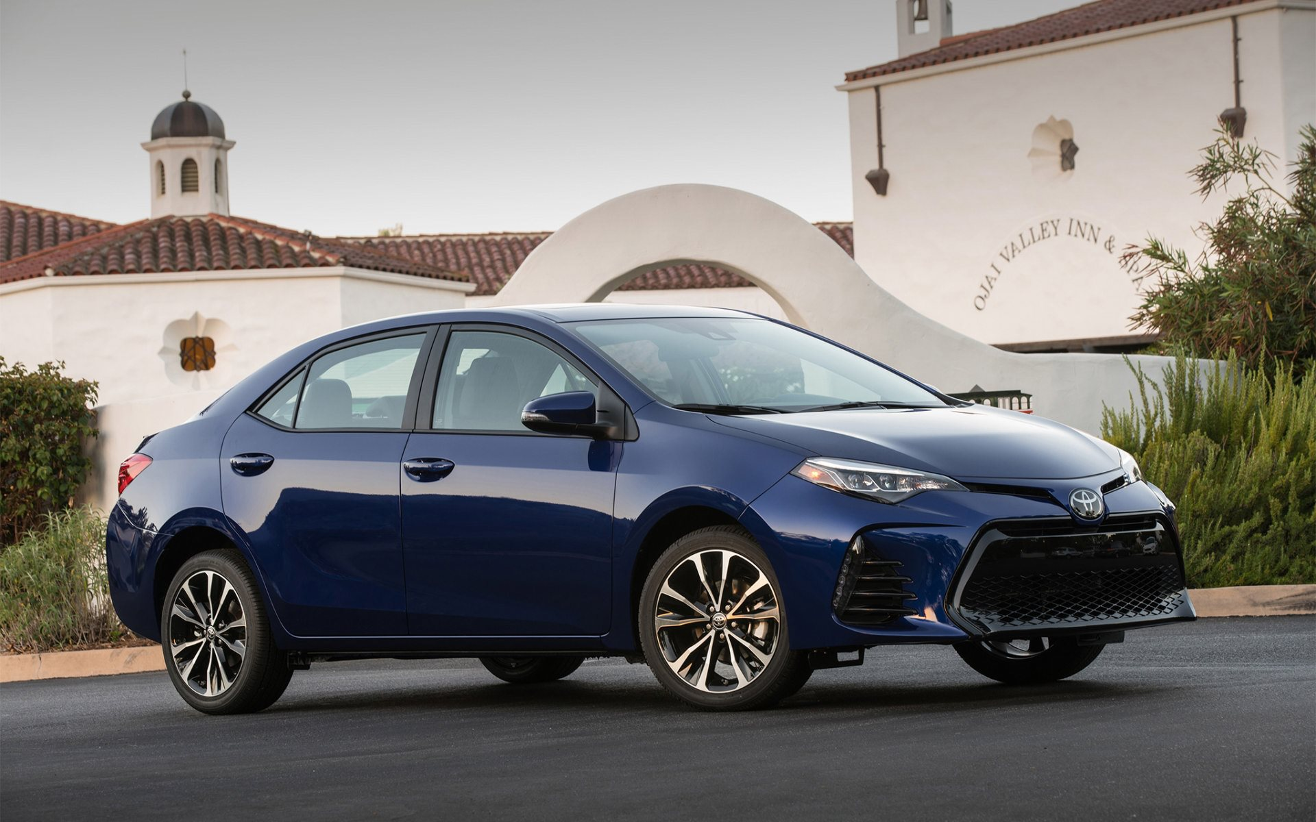 2017 toyota corolla blue wallpaper background