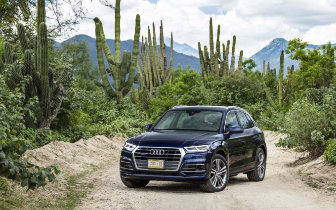 2018 audi q5 blue wallpaper background