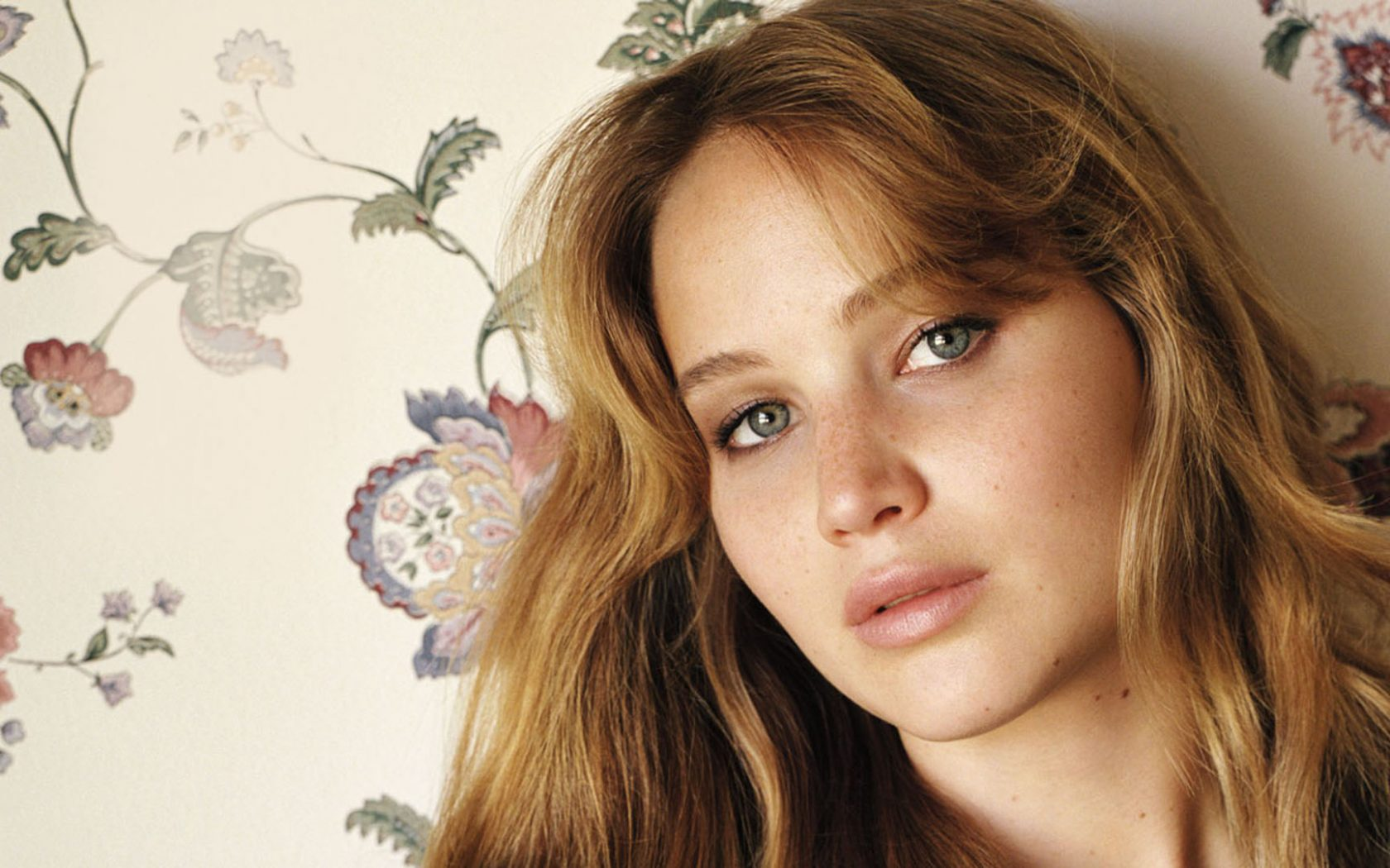 Actress jennifer lawrence wallpaper hd wallpaper background mobile vga 240x320 480x640 320x240 640x480 600x800 mobile wvga 240x400 480x800 400x240 smartphone 169 540x960 actress jennifer lawrence voltagebd Image collections
