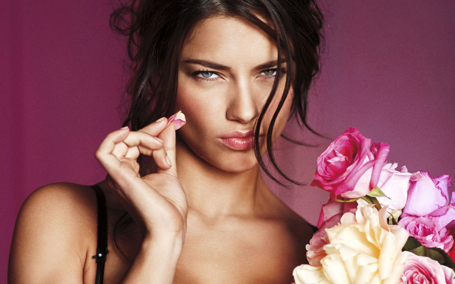 adriana lima with flowers wallpaper background