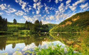 Amazing Water Reflection Wallpaper