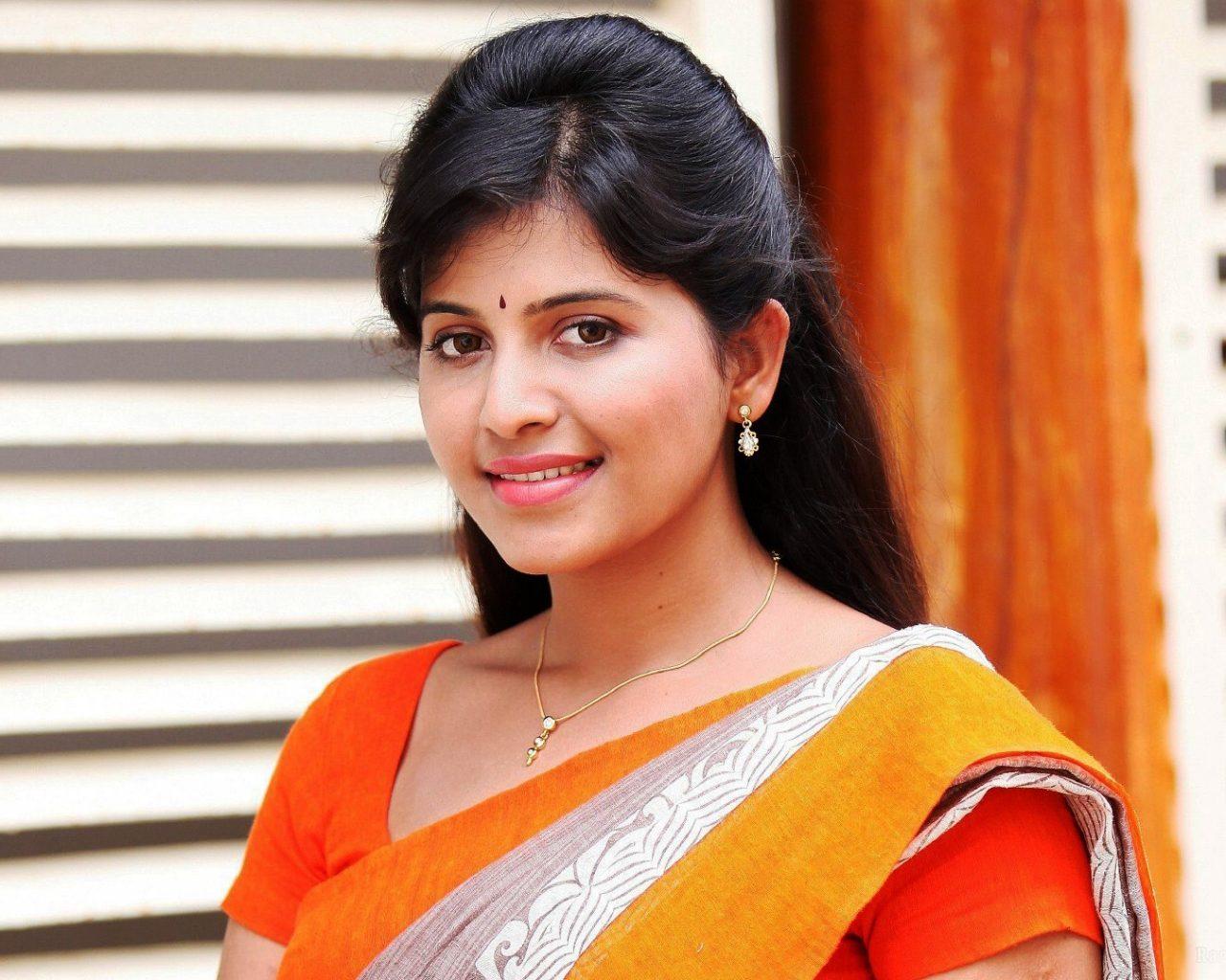 Actor Anjali Photos: Anjali Tamil Actress Wallpaper