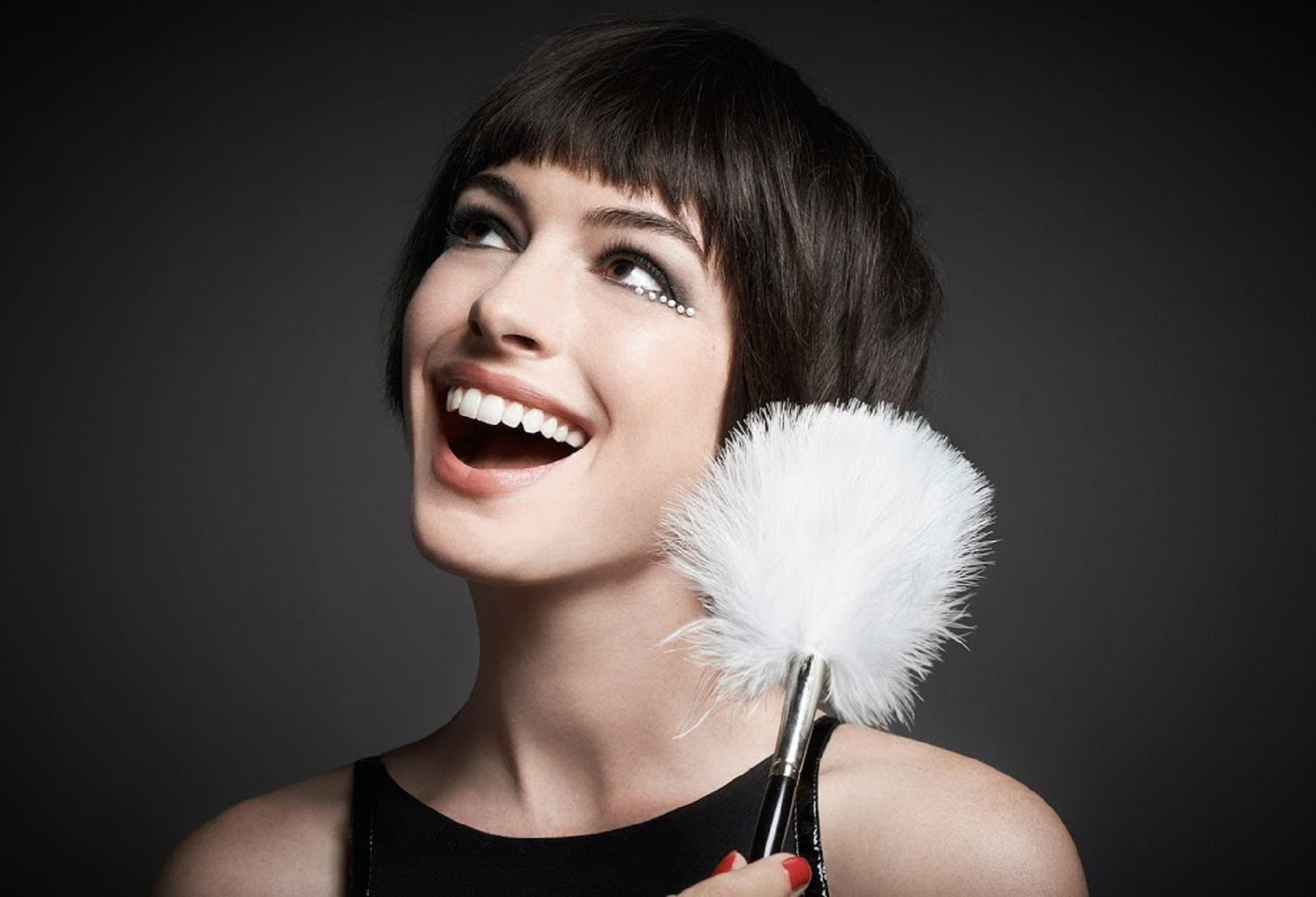 Anne Hathaway Hd Wallpaper Hd Wallpaper Background