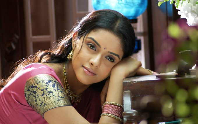 asin in pink dress wallpaper background