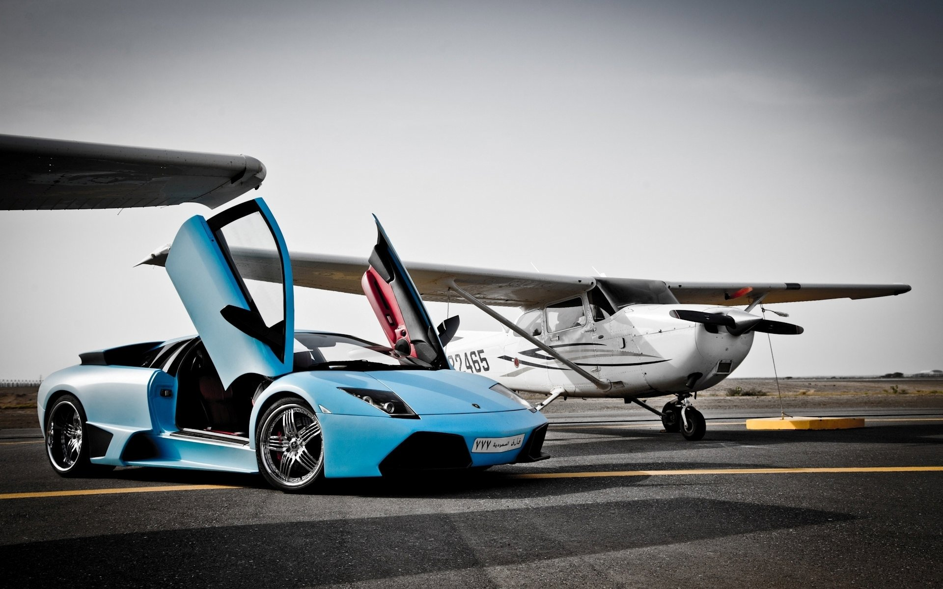 aventador vs plane wallpaper