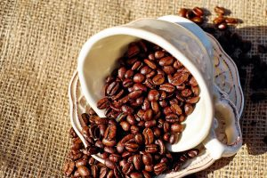 coffee beans in cup wallpaper background