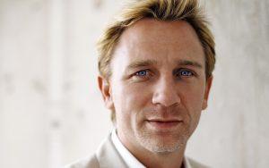 Daniel Craig Blue Eyes Wallpaper