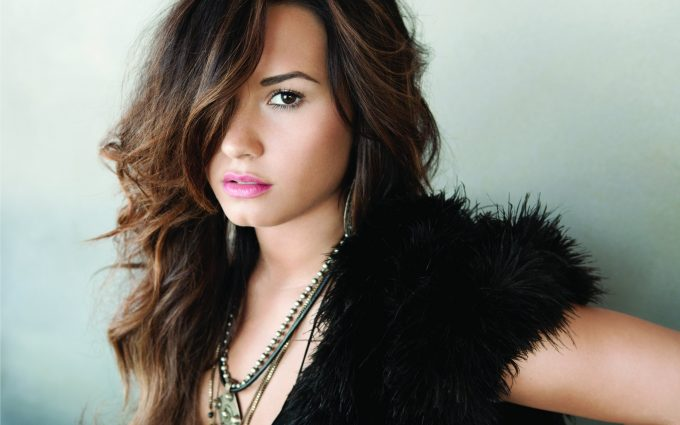 demi lovato pose 4k wallpaper background wallpapers