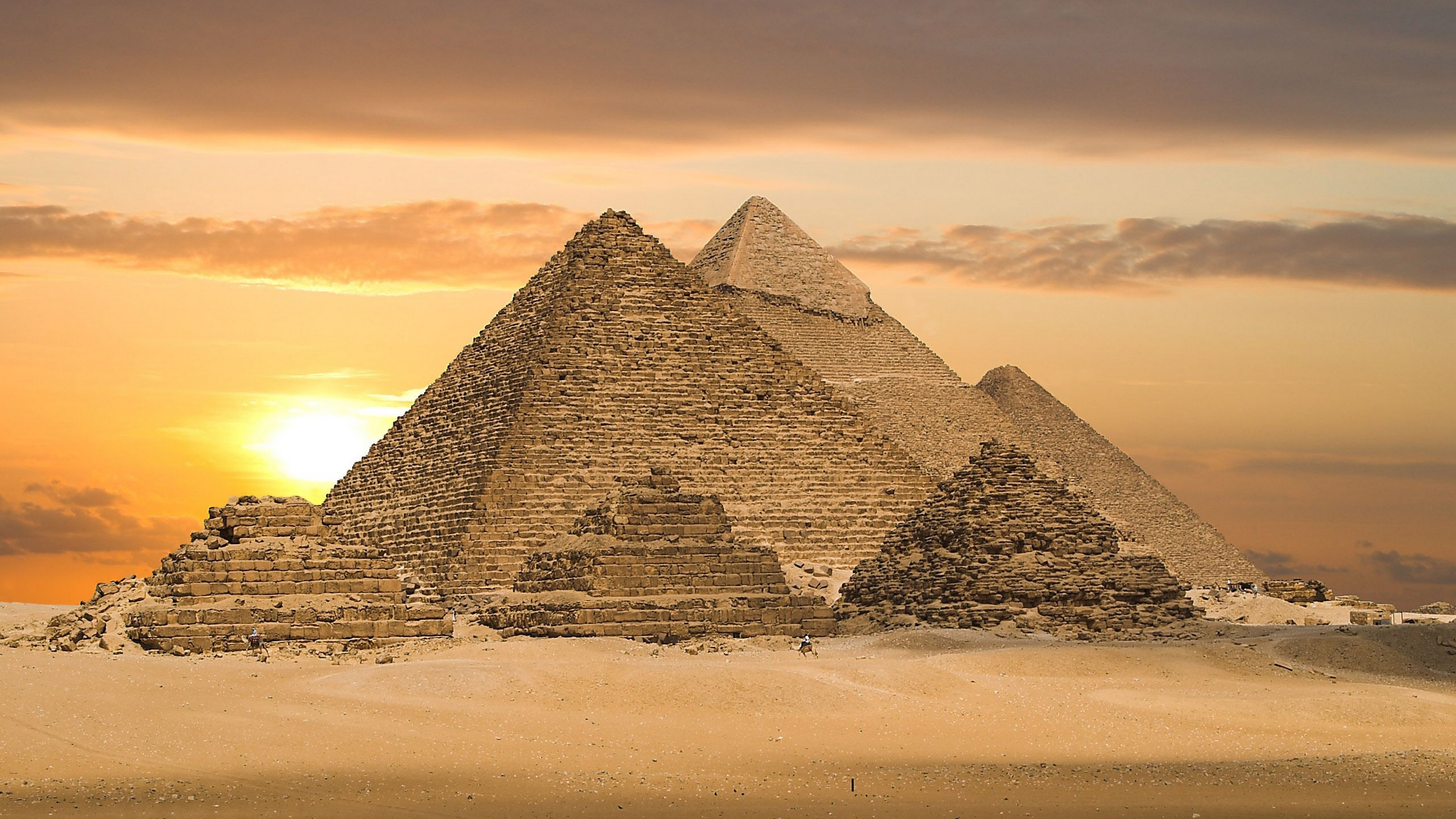 egyptian pyramids wallpaper 4k background