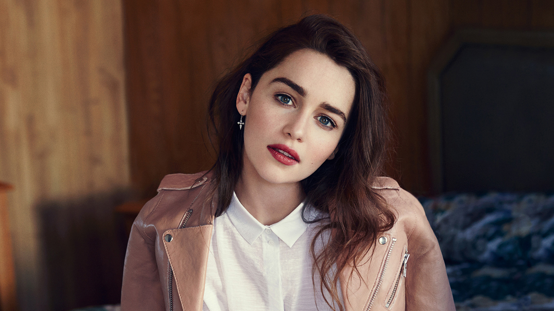 emilia clarke actress wallpaper background