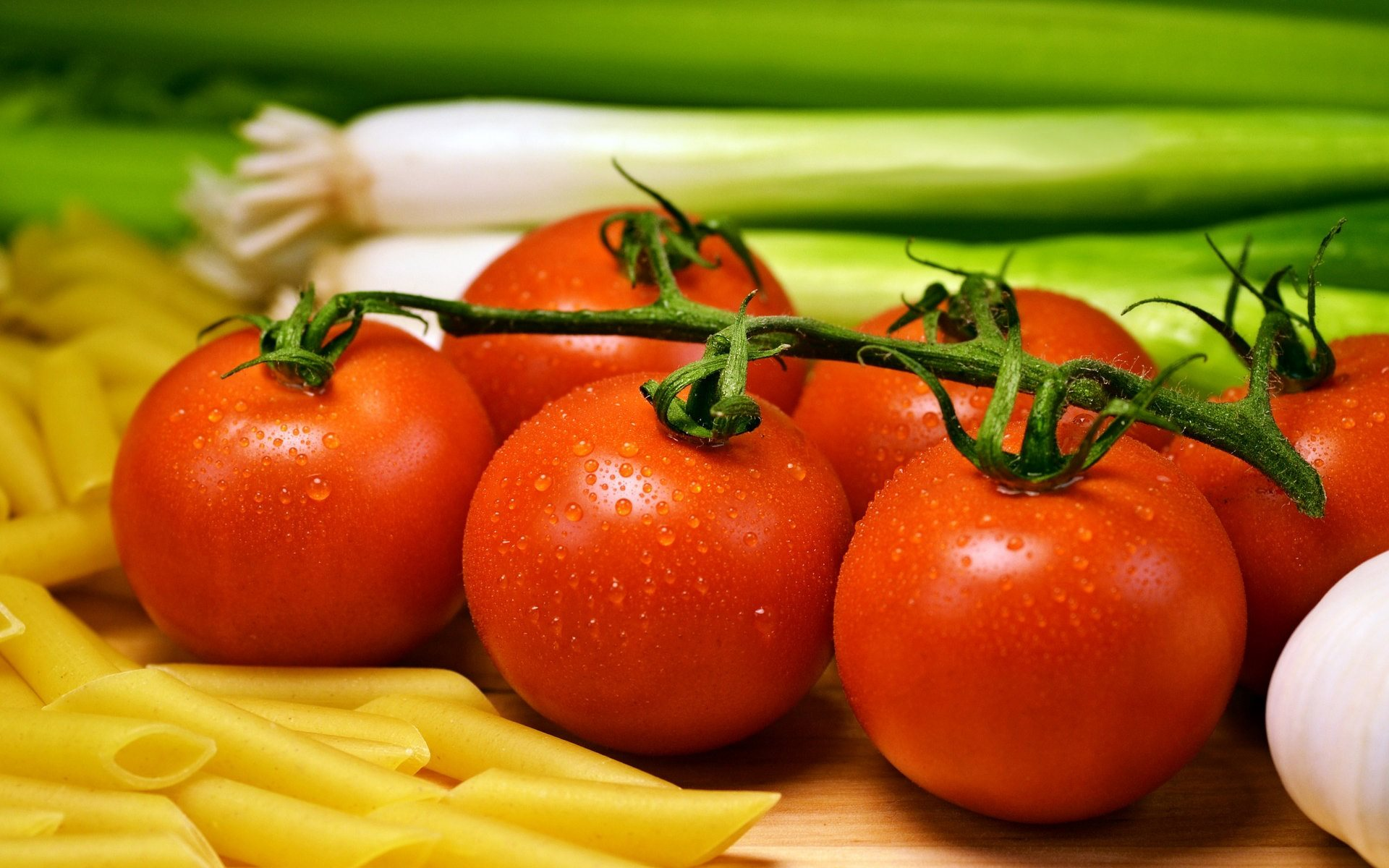 fresh tomatoes wallpaper background