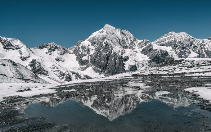gray mountain wallpaper 4k background