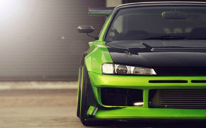 green car front wallpaper
