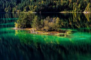 Green Water Lake HD Wallpaper