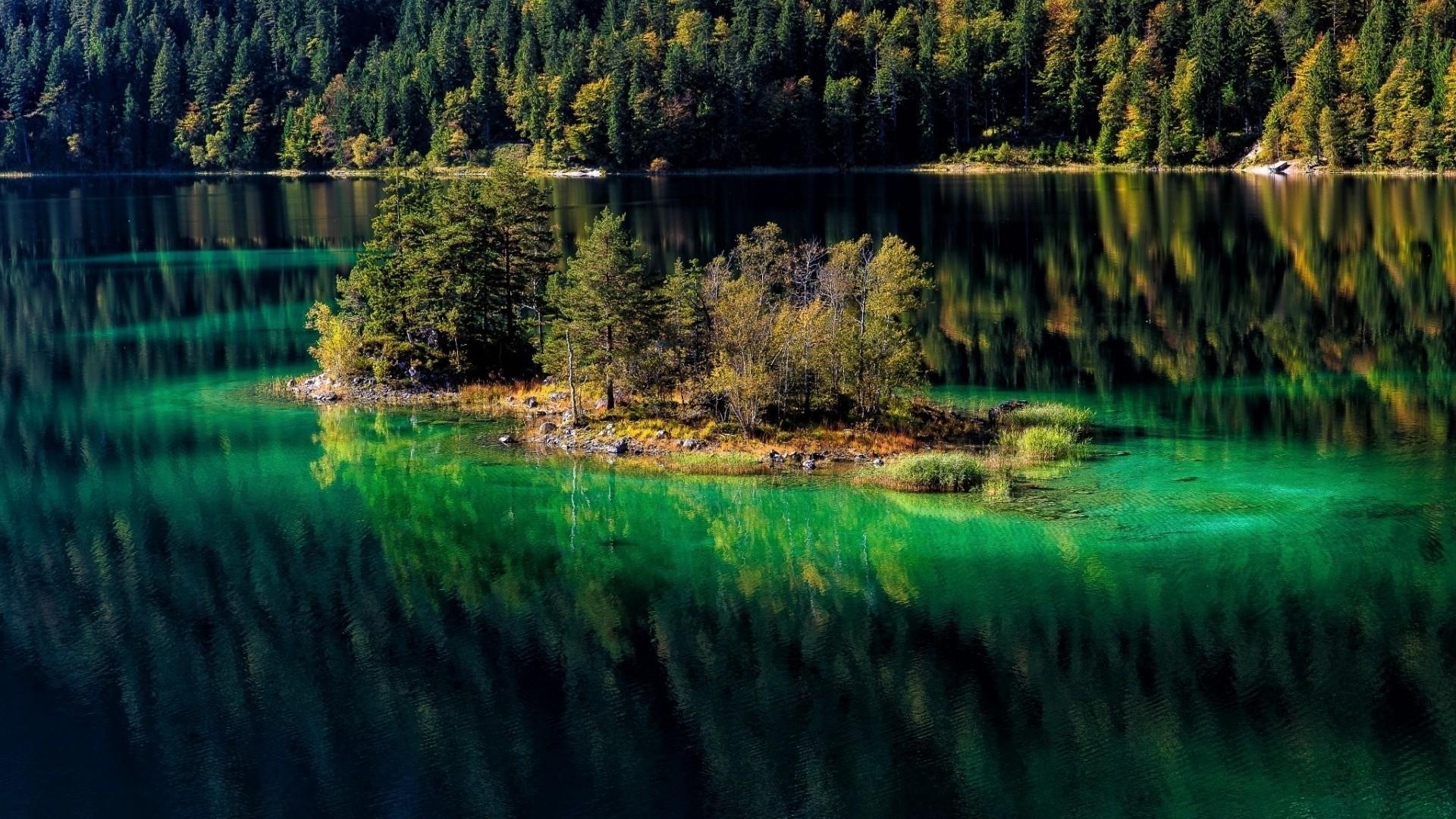 Green Water Lake HD Wallpaper | HD Wallpaper Background