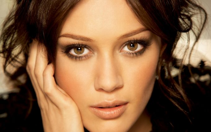 hilary duff eyes wallpaper background wallpapers