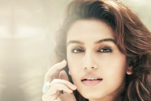 huma qureshi hot wallpaper background