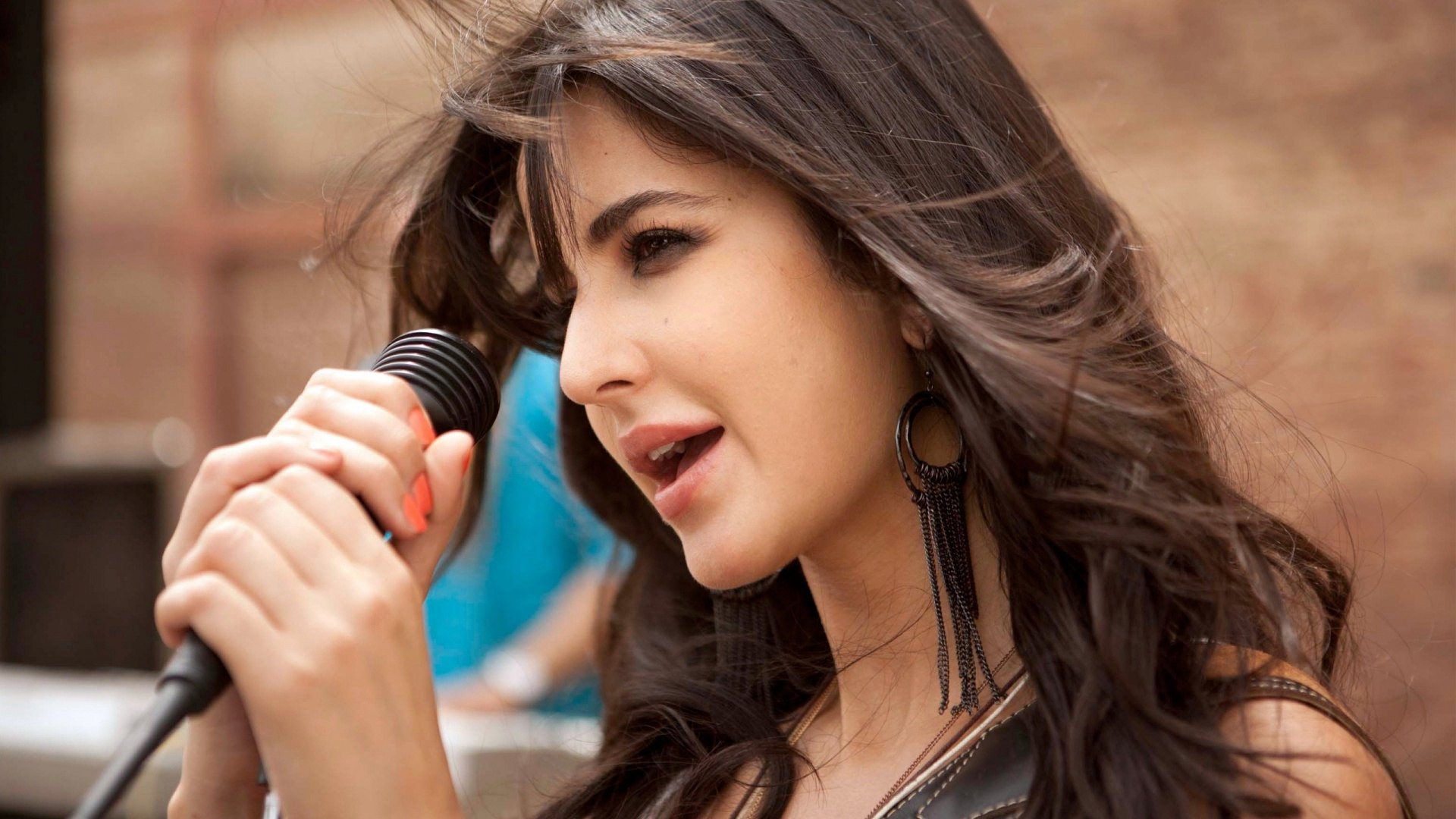 katrina kaif singing wallpaper