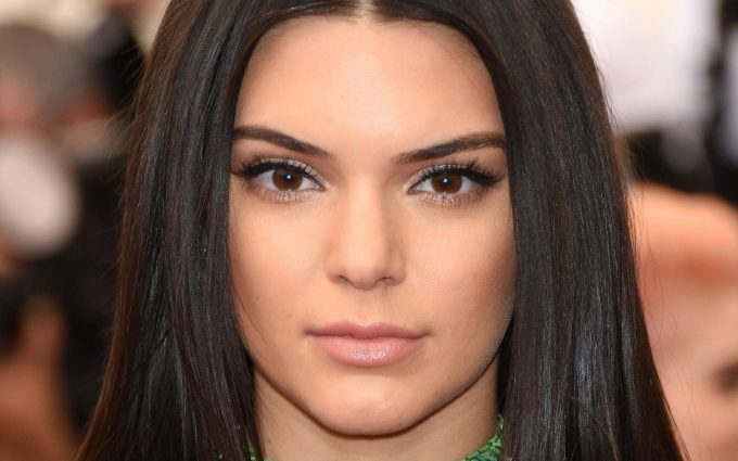 kendall jenner eyes wallpaper background