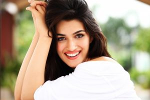 kriti sanon wallpaper hd background