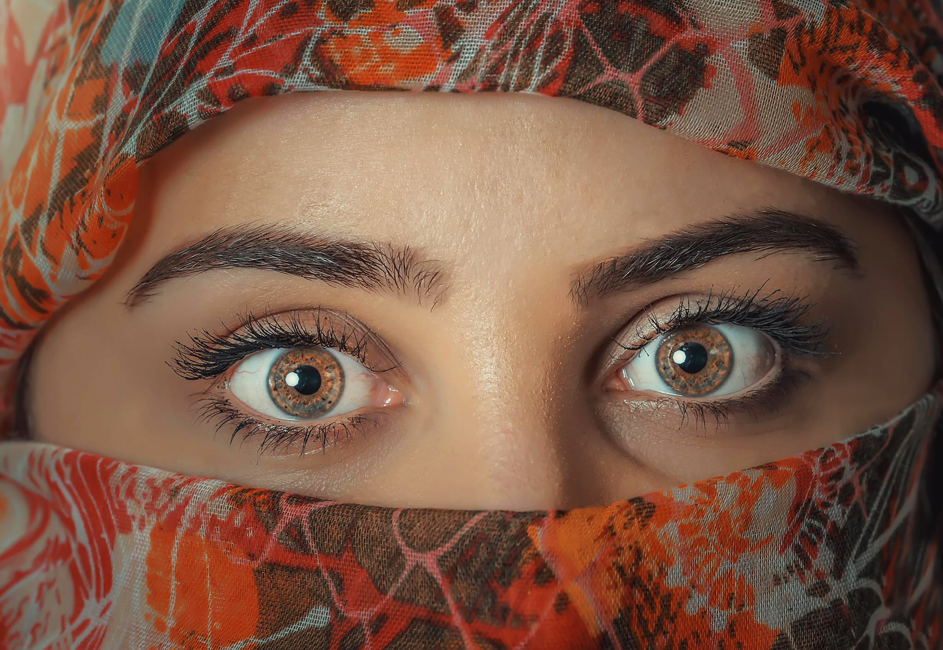 model eyes wallpaper background