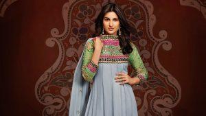 Parineeti Chopra Green Dress Wallpaper
