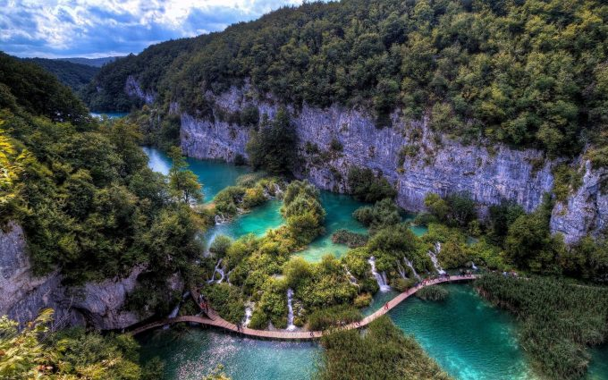 plitvice lakes national park wallpaper background