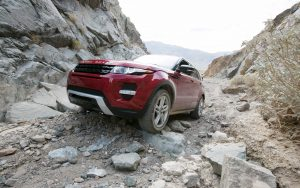 Range Rover Evoque Off Road Wallpaper