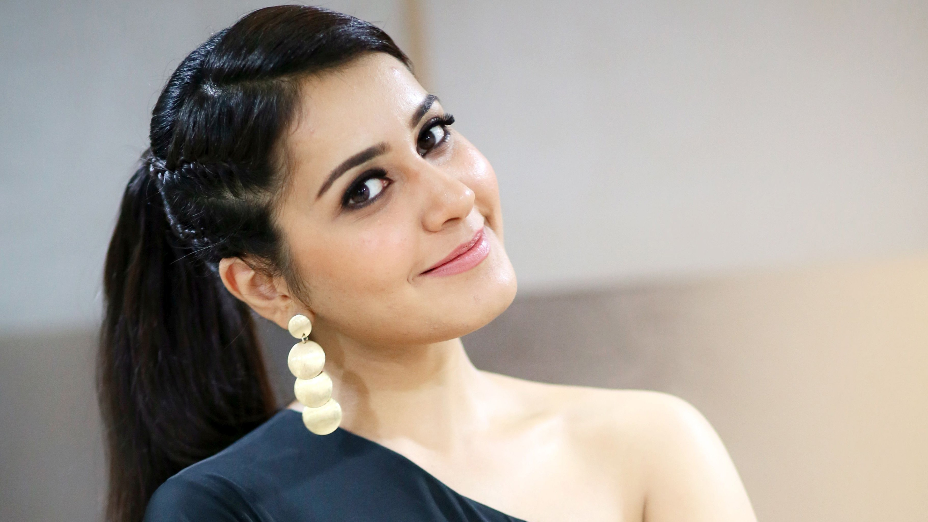 rashi khanna wallpaper 4k background
