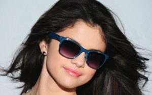 Selena Gomez Sunglasses Wallpaper