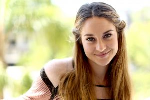 shailene woodley smile wallpaper background