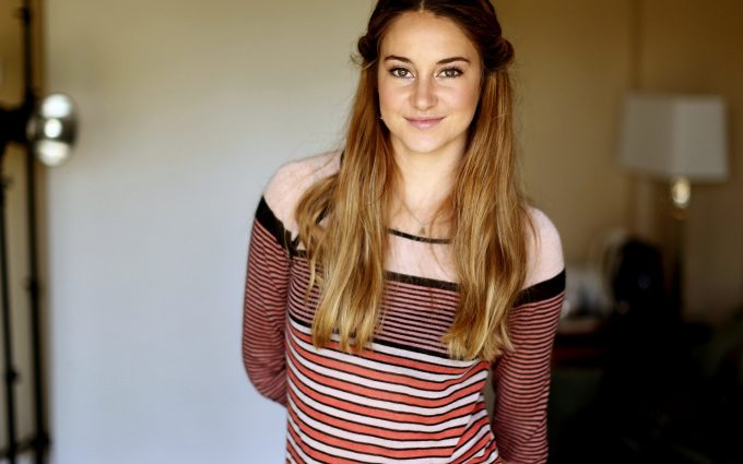 shailene woodley wallpaper background images wallpapers