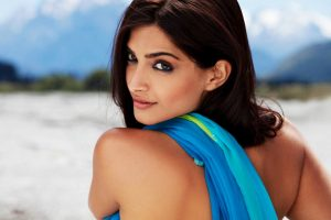 sonam kapoor in blue dress wallpaper background