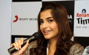 Sonam Kapoor Widescreen Wallpaper