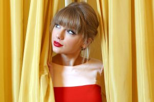 taylor swift beautiful eyes wallpaper background