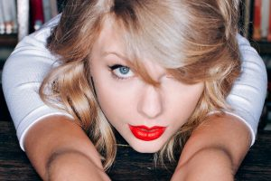 taylor swift eyes wallpaper background