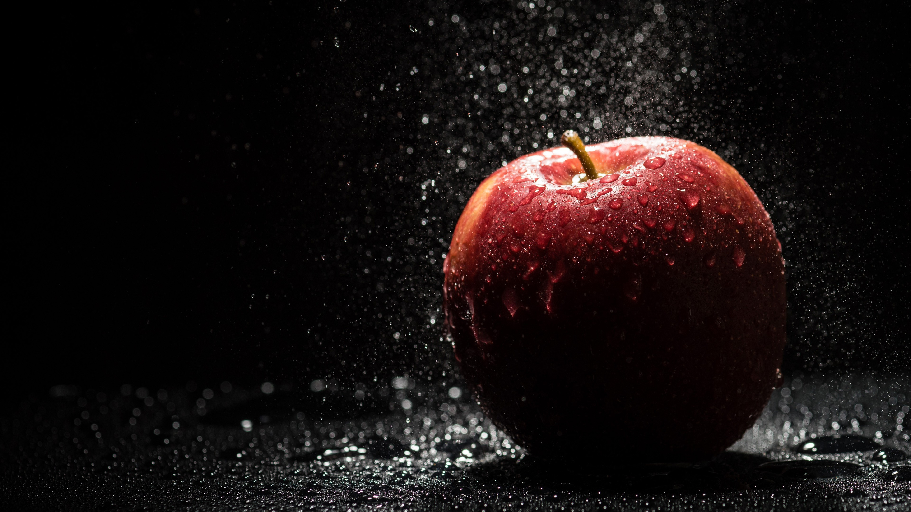 Water Drops On Apple Wallpaper