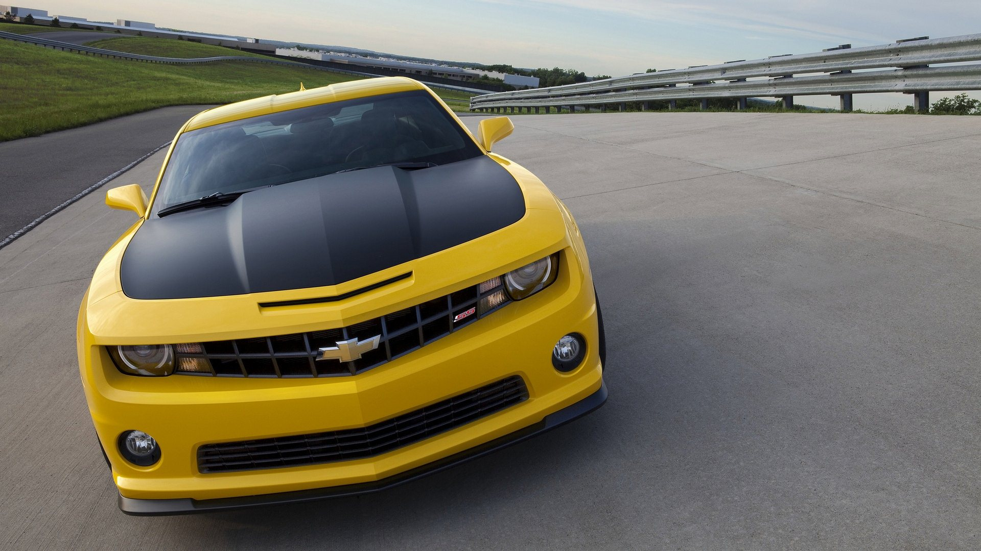yellow chevrolet camaro wallpaper background images wallpapers