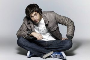 zachary levi wallpaper background